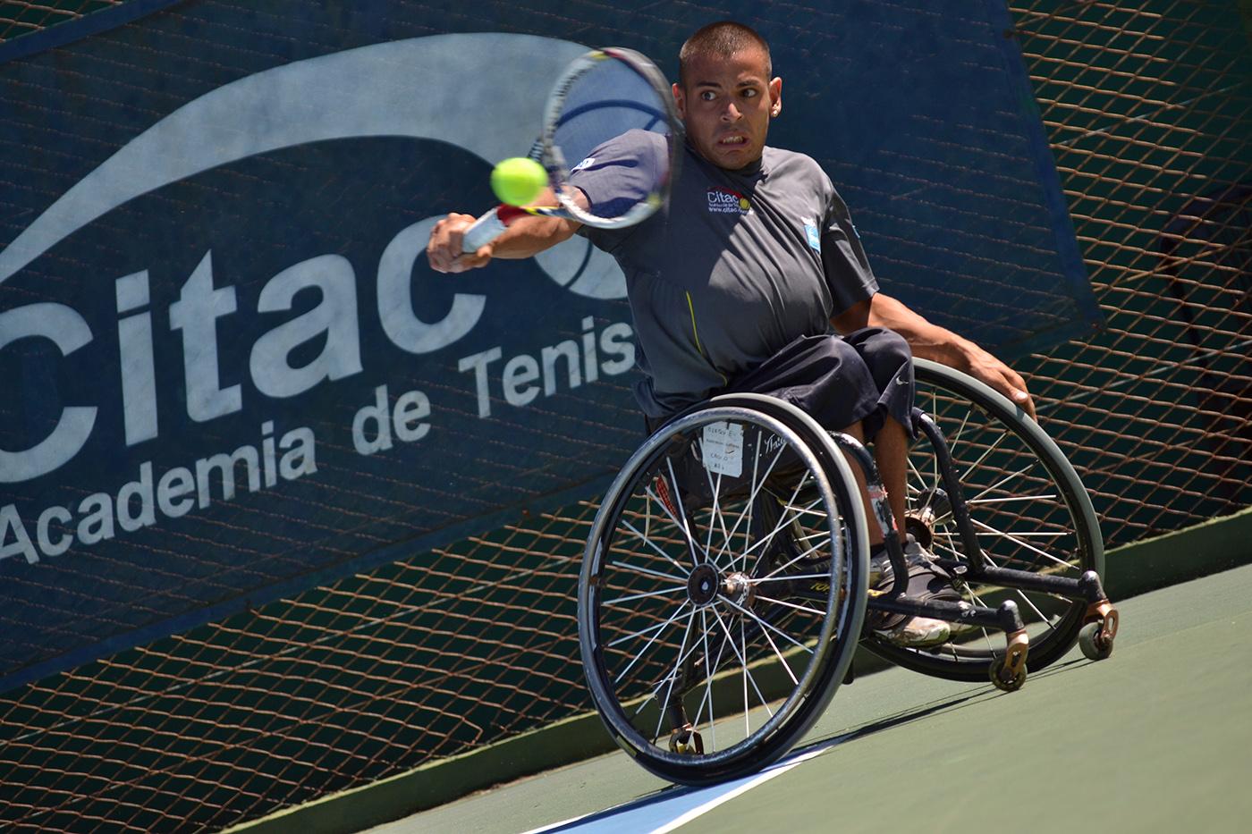 Tenis adaptado: Casco, doble campeón en Vicente López