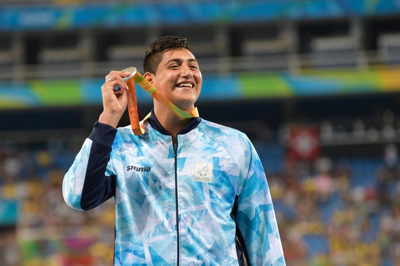 """Hernán Urra: """"Ver nacer a mi hijo me dio energía para lograr la medalla"""""""