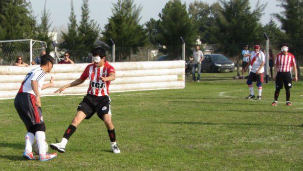 Fútbol para ciegos: Estudiantes y River, clasificados