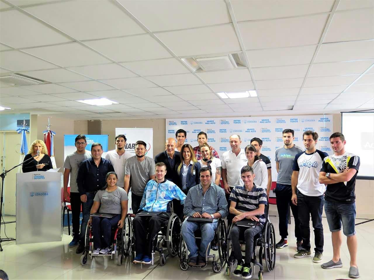 Los atletas olímpicos y paralímpicos, unidos pensando en el futuro