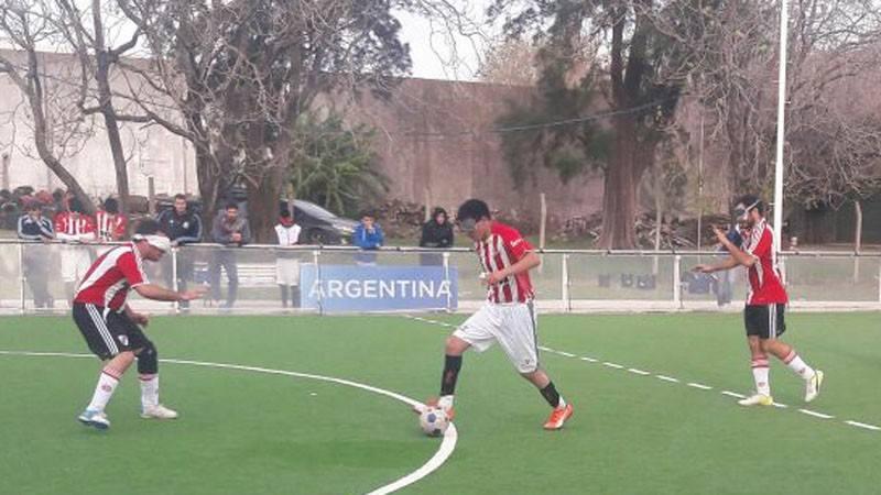 Fútbol para ciegos: ya están los ocho mejores del torneo