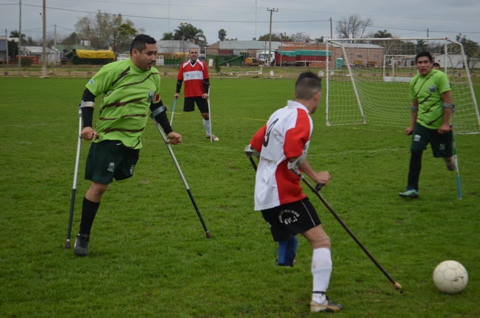 Fútbol para amputados: Los Titanes de Chaco, únicos punteros
