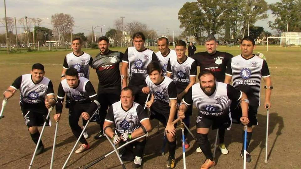 Fútbol para amputados: Los Lobos de Buenos Aires llegaron a la punta