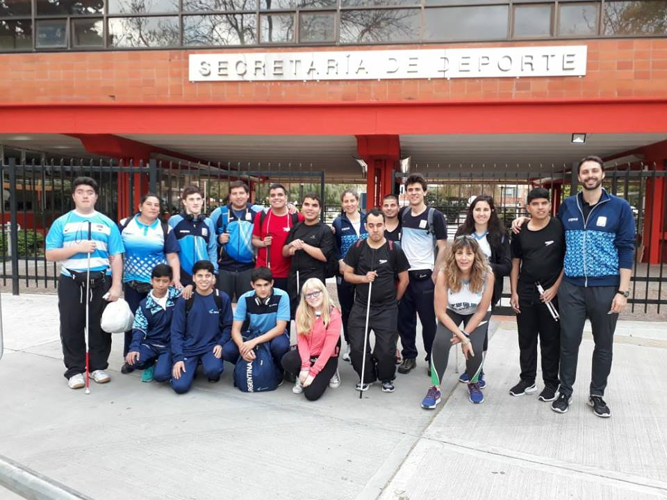 Natación: la Selección de ciegos y disminuidos visuales se concentró en el CENARD