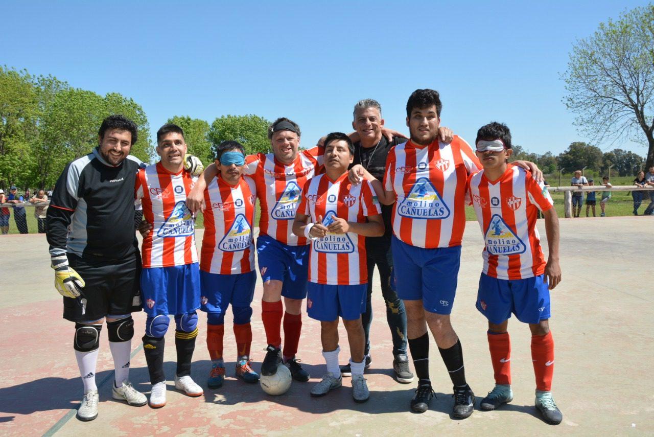 Fútbol para ciegos: exhibición de Paradeportes Cañuelas FC en General Las Heras