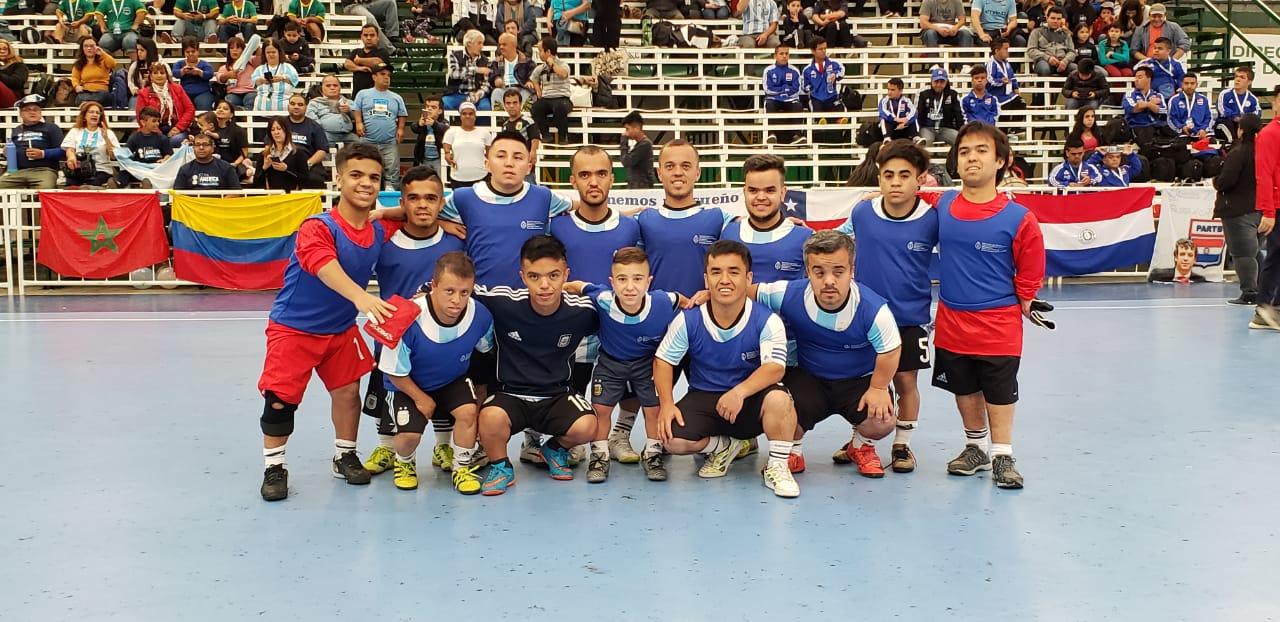 Con triunfo argentino, arrancó la Copa América de fútbol de talla baja