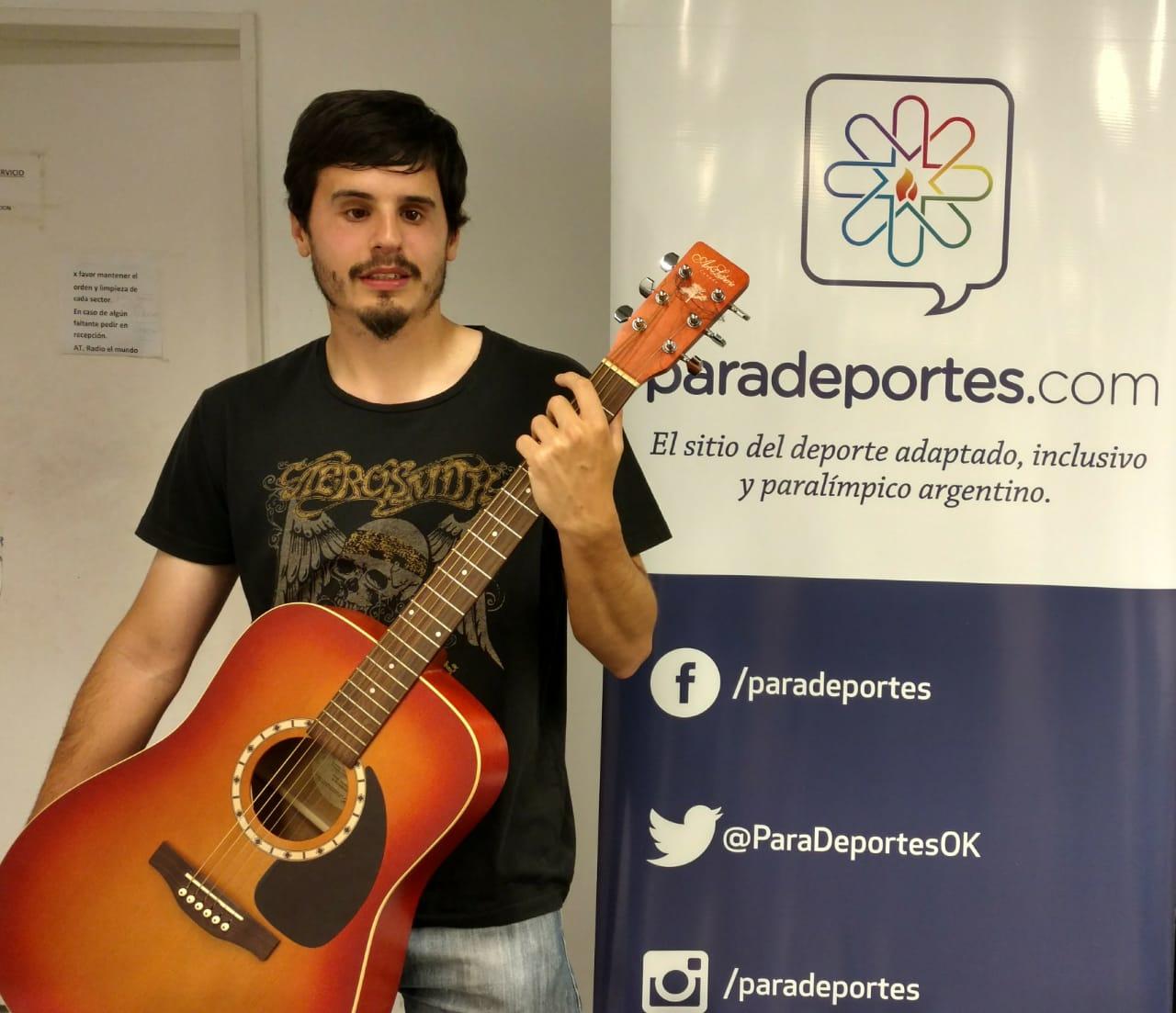 Alex Cannas y su doble pasión: el fútbol y la música