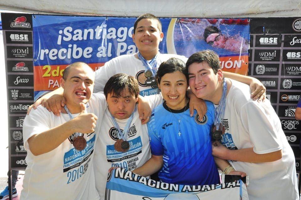 En Santiago hubo una fiesta de la natación adaptada
