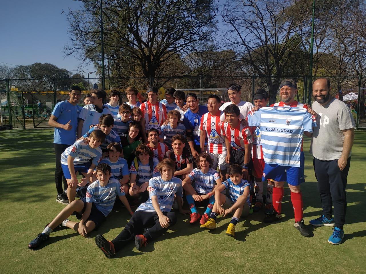 """Fútbol 5 para ciegos: el equipo """"Fundación Paradeportes- Cañuelas FC"""" brindó una exhibición en el Club Ciudad de Buenos Aires"""