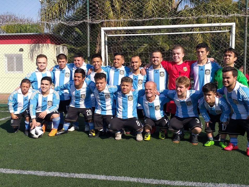 Fútbol: la Selección Argentina de talla baja y su sueño de llegar a Europa