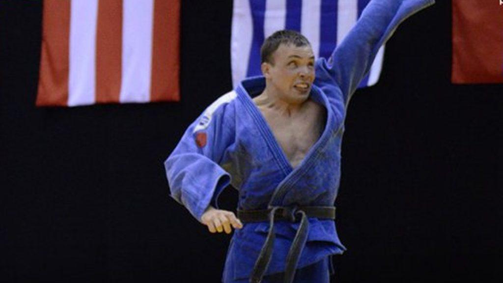 Eduardo Gauto, la increíble historia del judoca paralímpico argentino que es voluntario en las pruebas contra el coronavirus