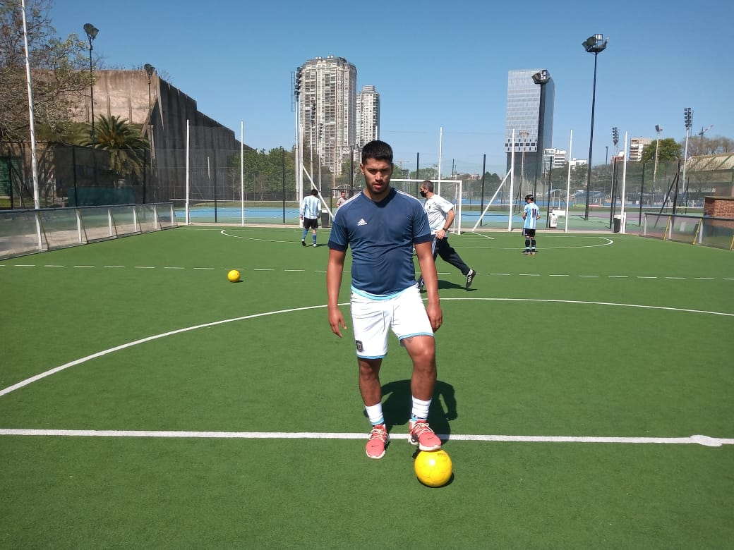 La historia de Alexis Salinas, el ex jugador de Arsenal de Sarandí que ahora entrena con Los Murciélagos