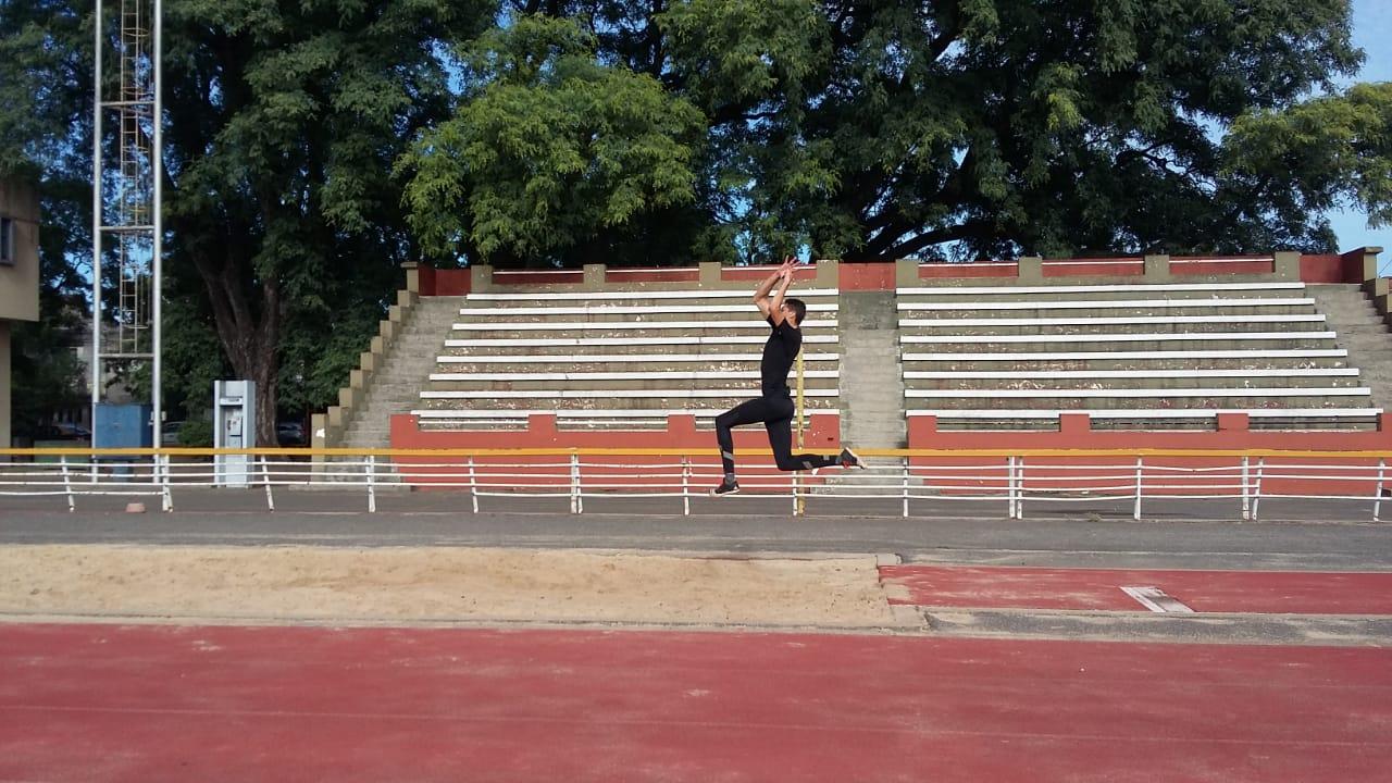 Atletismo paralímpico: Yanina Martínez y Brian Impellizeri trabajan en Rosario pensando en Tokio