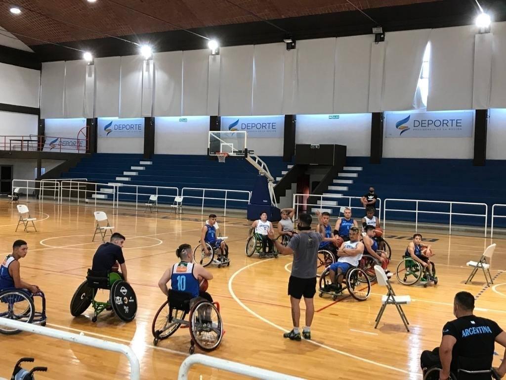 Básquet sobre silla de ruedas: los seleccionados masculinos trabajan en el CeNARD