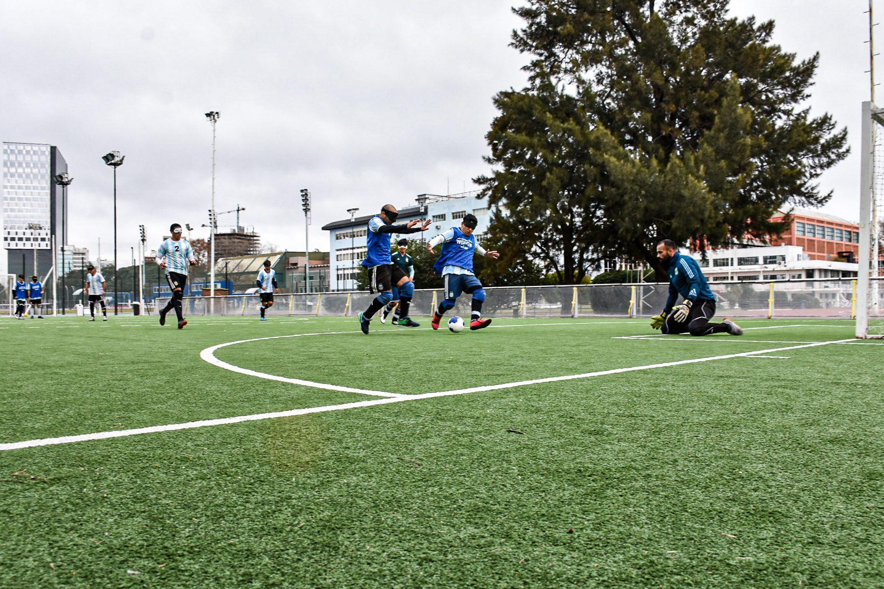 Fútbol para ciegos: Los Murciélagos y una concentración clave